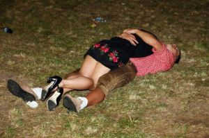 hilarious_drunk_and_wasted_people_07